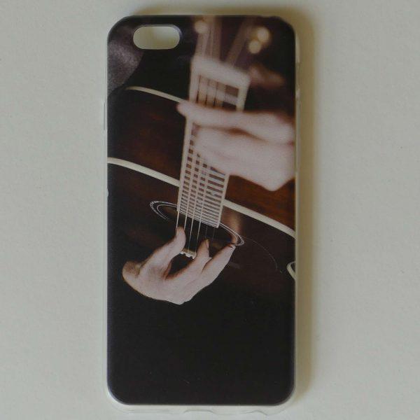 Telefoonhoesje met akoestisch gitaar motief