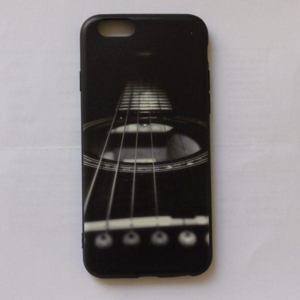 Iphone cover met akoestische zwarte gitaar