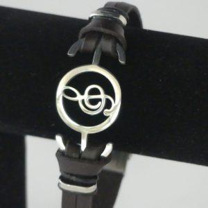 Armband imitatie leer g-sleutel in cirkel zilverkleurig gadgets voor gitaar en muziek cadeau