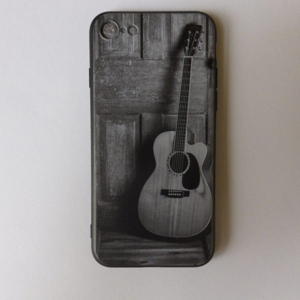 Telefoonhoesje voor Iphone 7 en 8 met opdruk akoestische gitaar