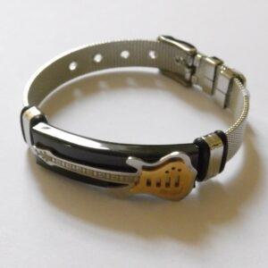 Armband met zilverkleurige gitaar