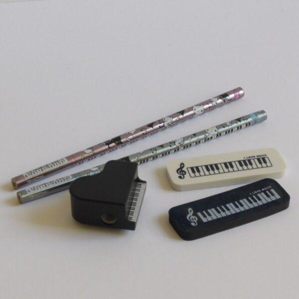 set van gummen puntenslijper en potloden